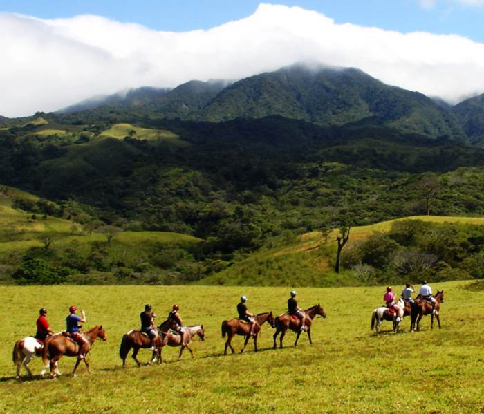 Horseback riding tour to La Fortuna Waterfall 3